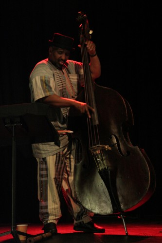 William Parker playing double bass at MLFC 07